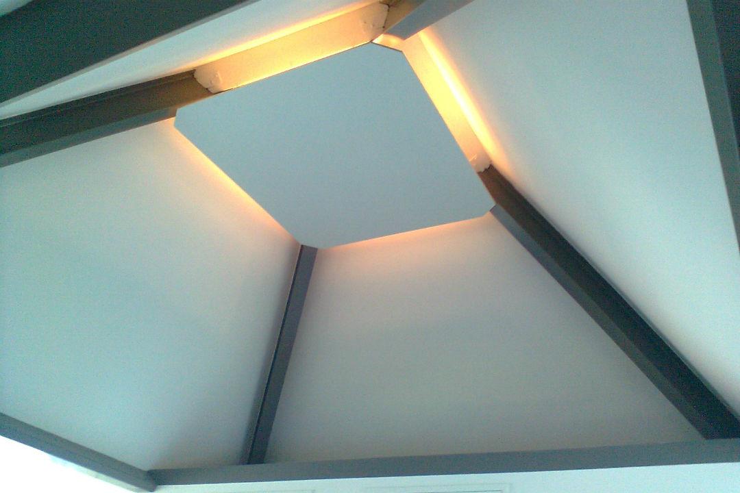 Timmerwerk-indirecte verlichting-ontwerp