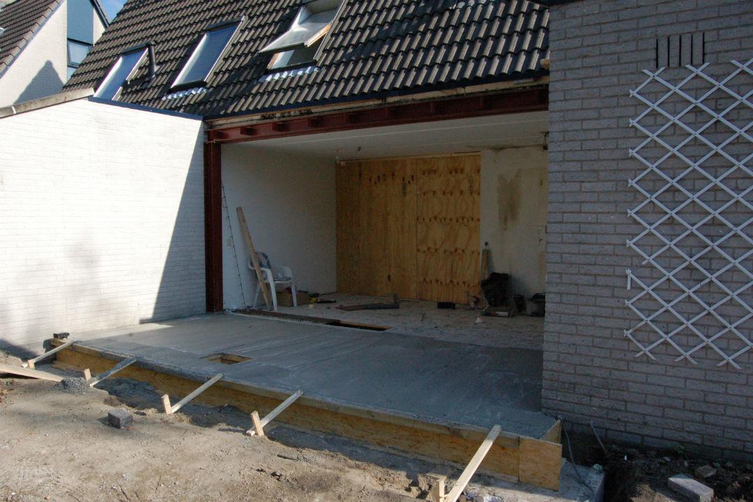 J Huiting Klussenbedrijf-verbouwingen-uitbouw-stalen portaal-betonvloer