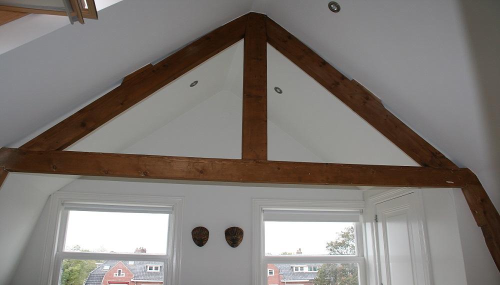 J Huiting Klussenbedrijf-Houten dakconstructie